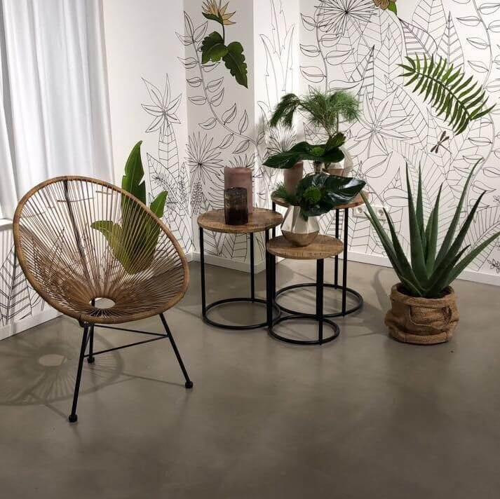 showroom-chair